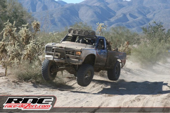 A very dramatic victory was earned by Óscar Solaiza in Class 7 Stock.