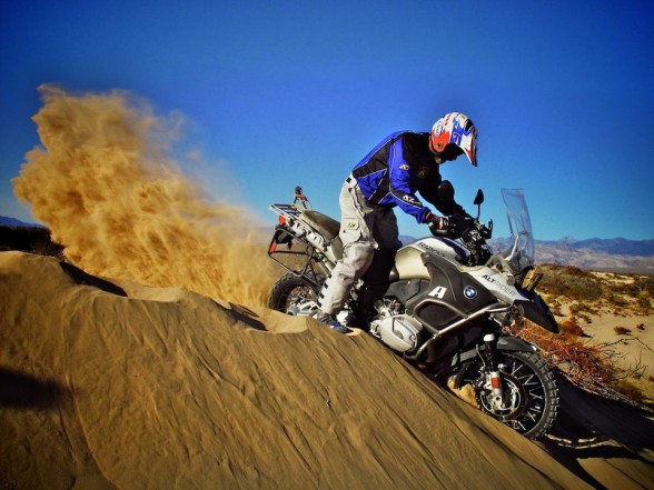 Jimmy Lewis puts on a sand-dune clinic for adventure riders at the last Taste of Dakar