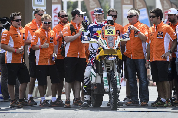 American hero Kurt Caselli came into the DAKAR Rally cold. But after winning 2 stages, he seems pretty hot on the future.