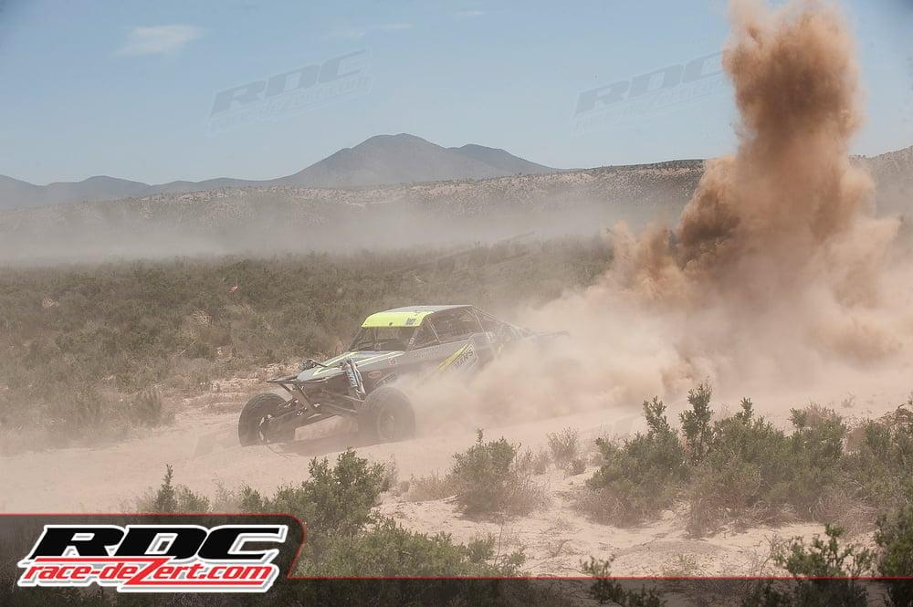 freeman-motorsports-v2r-race-dezert