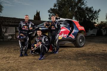 Team Peugot Drivers Red Bull Dakar PR