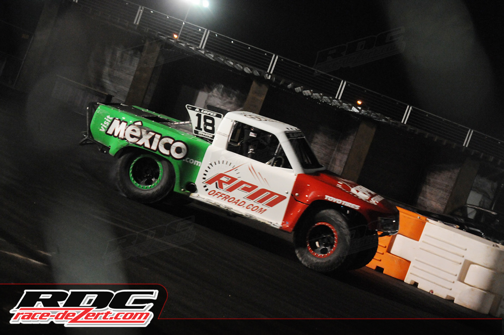 stadium-super-trucks-las-vegas-2014-17