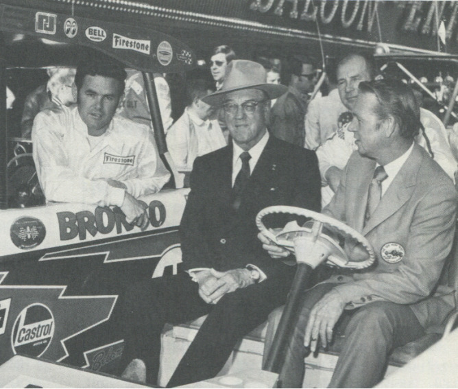 WEBB—Del E. Webb (center), president of all Webb properties, is shown flanked by Al Unser (left) and Mel Larson prior to 1969 race. (L.V.N.B.)