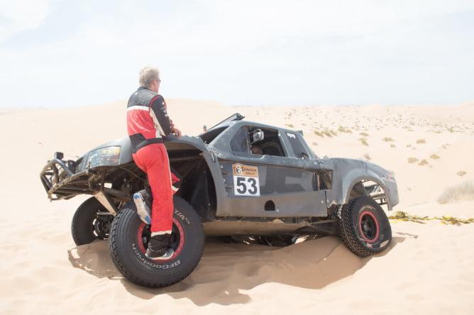 sonora-rally-stuck-truck