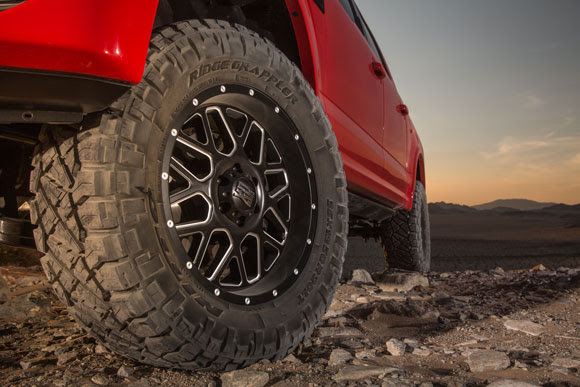 nitto introduces the all new ridge grappler light truck tire race. Black Bedroom Furniture Sets. Home Design Ideas