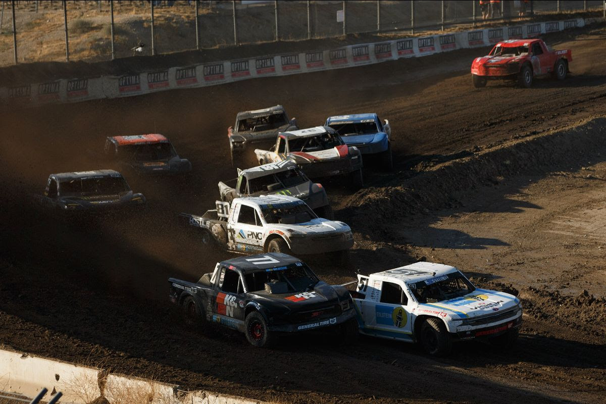 The premier Pro 2 class highlighted the opening round of the 2020 Lucas Oil Off Road Racing Series from Glen Helen Raceway. Photo: Lucas Oil Off Road Racing Series