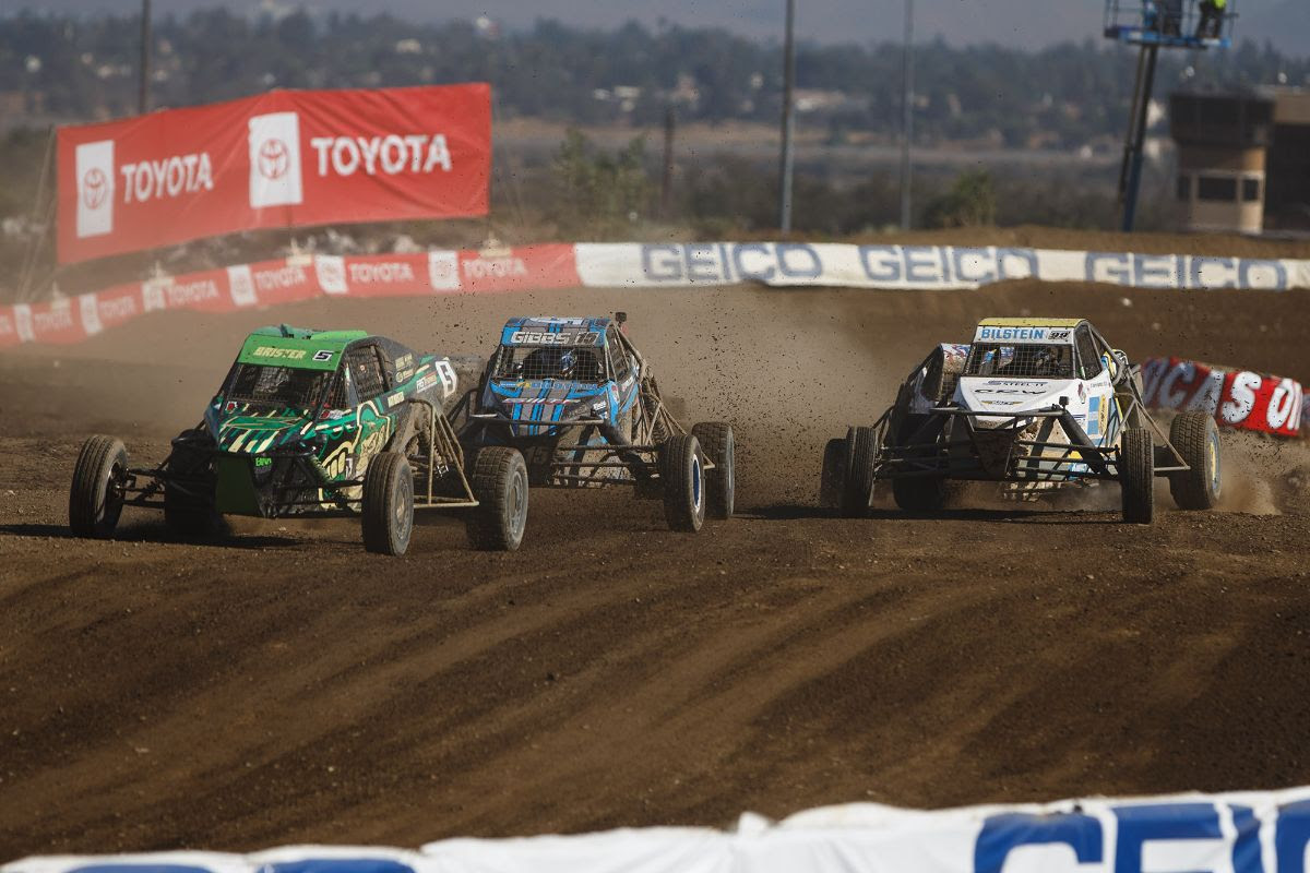 Matthew Brister (front) broke through for his first career Pro Buggy win on Saturday. Photo: Lucas Oil Off Road Racing Series
